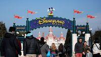 Disneyland Paris dituntut oleh seorang wanita.