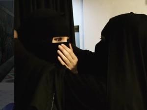 Video Pakai Niqab Viral, Dewi Sandra Minta Maaf