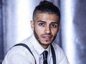 Aktor Berdarah Mesir Jadi Pemeran Aladdin, Ini Foto-foto Ketampanannya
