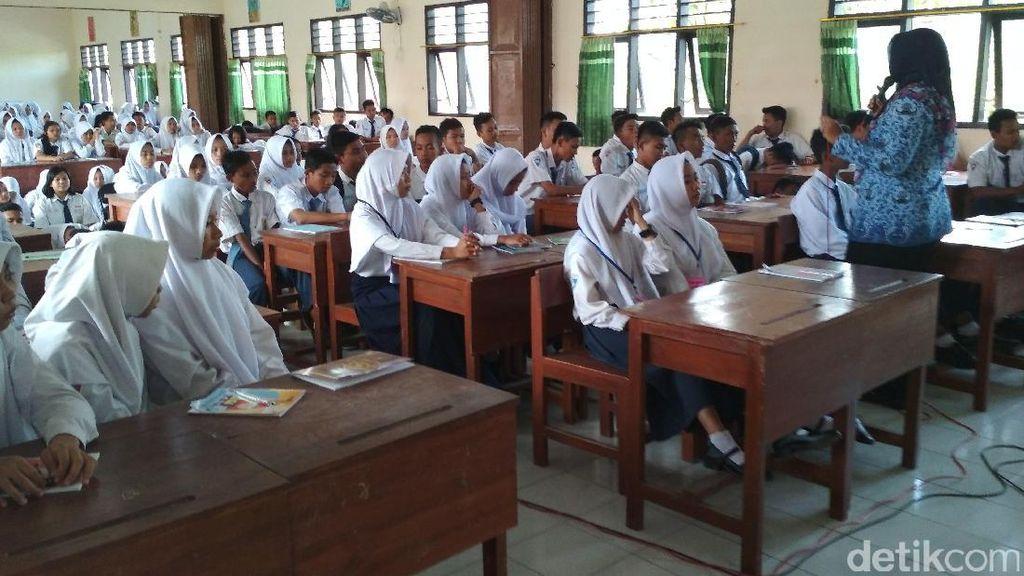 Lulusan SMK Sumbang Pengangguran, Guru Curhat Ketimpangan Gaji