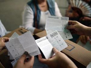 Nyaris 7,2 Juta Warga Venezuela Ikut Referendum Anti-Presiden