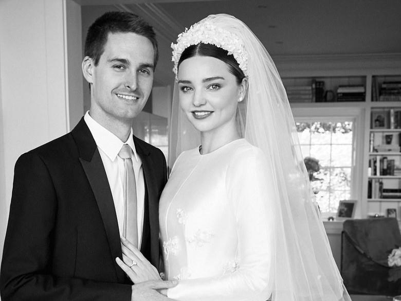Foto: Air Mata Miranda Kerr di Hari Pernikahan dengan Evan Spiegel (Dok. Vogue)