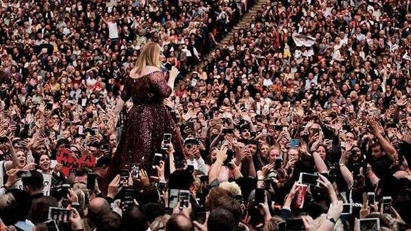 Penampilan Terakhir Adele Sebelum Pita Suaranya Rusak