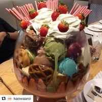 Dessert Raksasa Ini Hits di Bangkok, Isinya 22 Skop Es Krim dan Aneka Topping