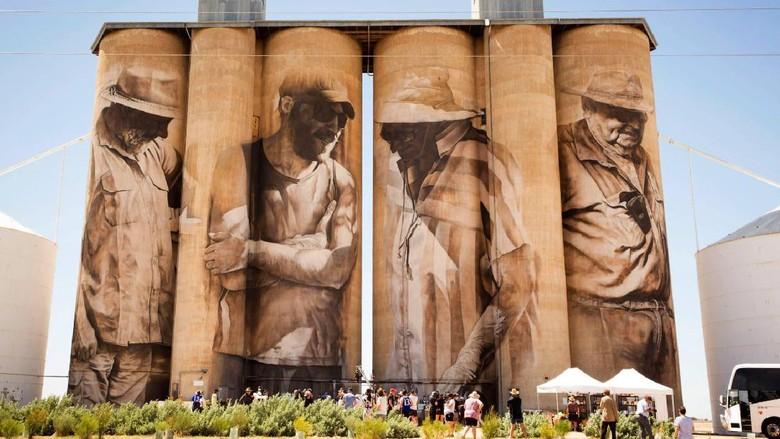 Lukisan pada dinding Silo yang terdapat di Brim, Victoria (GrainCorp/ Facebook)