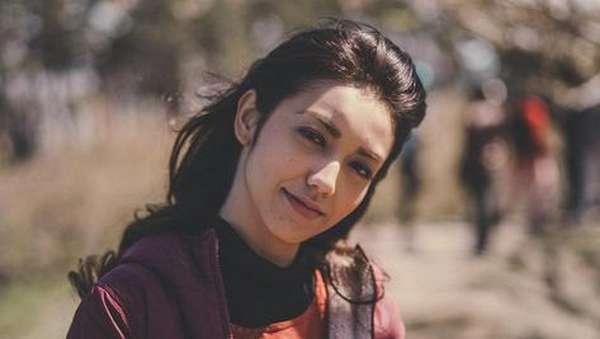 Romansa Adipati Dolken dan Velove Vexia di Jepang