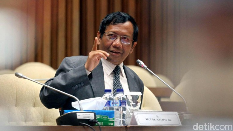 Bukan Prabowo, Mahfud MD Yakin Gatot Jadi Pesaing Jokowi