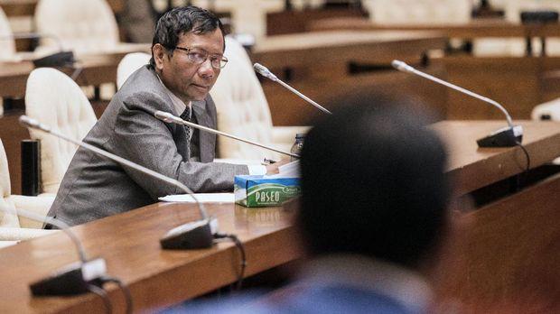 Mahfud MD menilai tidak masalah jika kepala daerah kembali dipilih DPRD