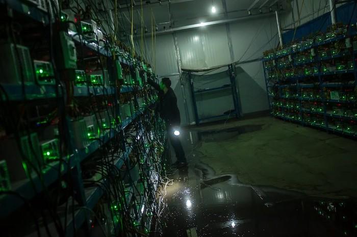 Ilustrasi penambangan Bitcoin. Foto: Next Shark