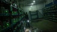 Harga Bitcoin Makin Ambyar, Nilainya Terpangkas 50%