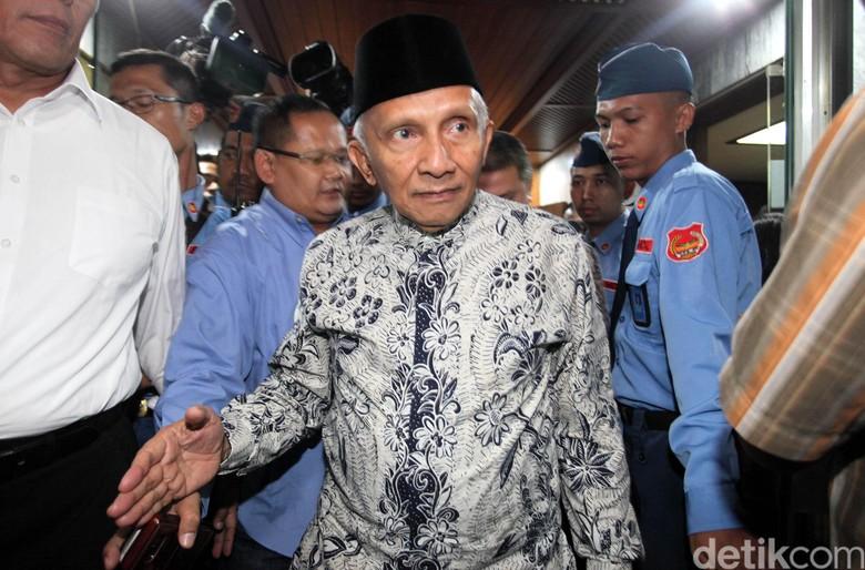 Jejak Amien Rais di Seberang Jokowi