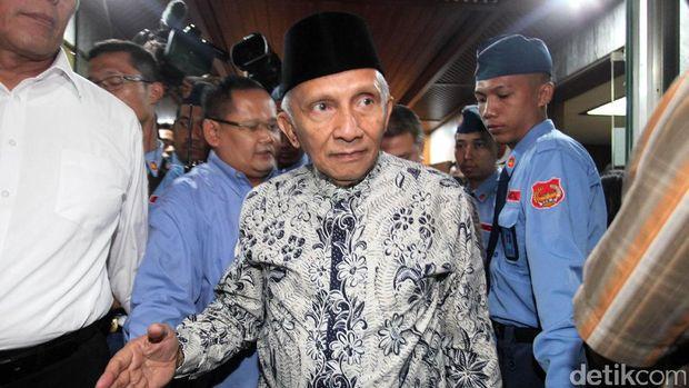Hasil gambar untuk Masyarakat Yogyakarta Geram dengan Perilaku Amien Rais