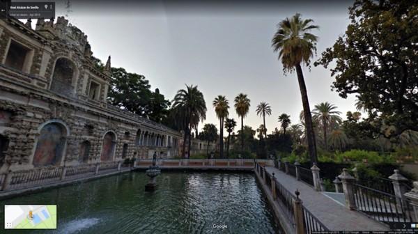 Selanjutnya, traveler pasti mengenali keindahan Water Gardens of Dorne. Di sinilah, Putri Myrcella anak Cersei Lannister dikirim sebagai bagian dari transaksi politik untuk mengamankan Kings Landing. Lokasi syutingnya ada di Real Alcazar, Sevilla, Spanyol (dok Google Street View)
