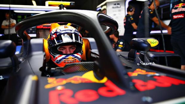 MONZA, ITALY - SEPTEMBER 02:  Max Verstappen of Netherlands and Red Bull Racing sits in his car fitted with the halo during practice for the Formula One Grand Prix of Italy at Autodromo di Monza on September 2, 2016 in Monza, Italy.  (Photo by Dan Istitene/Getty Images)