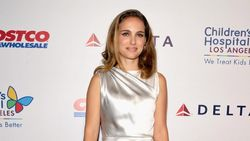 Tulis Kisah Cinta dengan Natalie Portman, Moby Minta Maaf