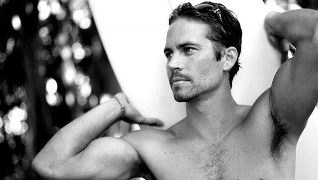Mendiang Paul Walker Doyan Surfing di Indonesia