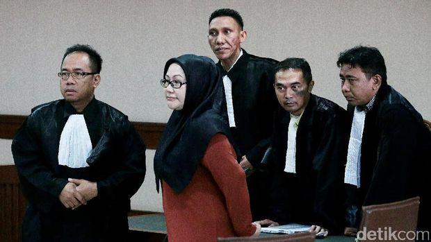 Anak-Menantu Ratu Atut Duduki Kekuasaan, Apa Apa dengan Banten?