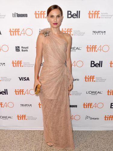 Aktris Natalie Portman membuat Jessica Simpson marah gara-gara komentar keperawanan.