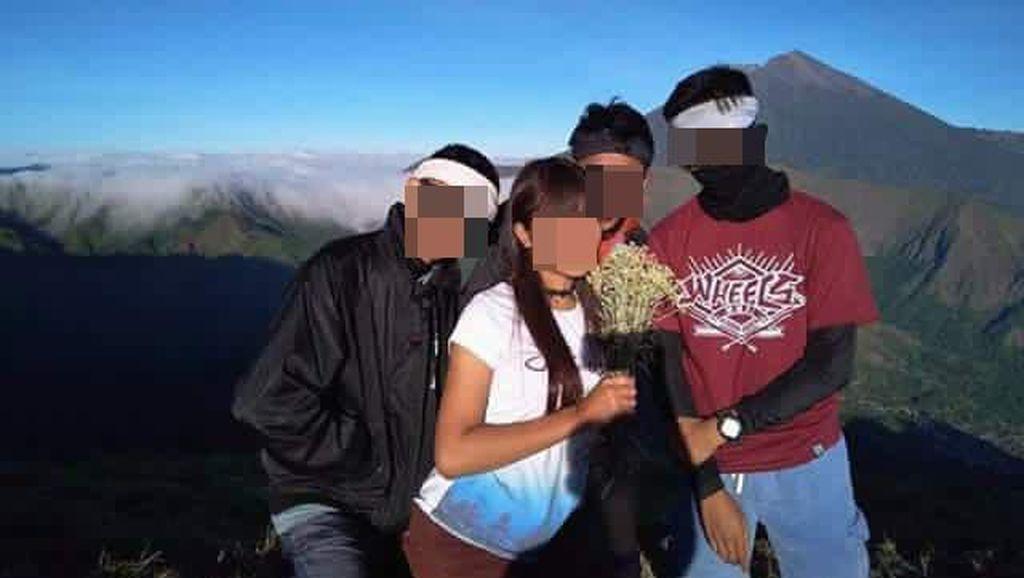 Ini Komentar Traveler Soal Pendaki Norak yang Petik Edelweiss Rinjani