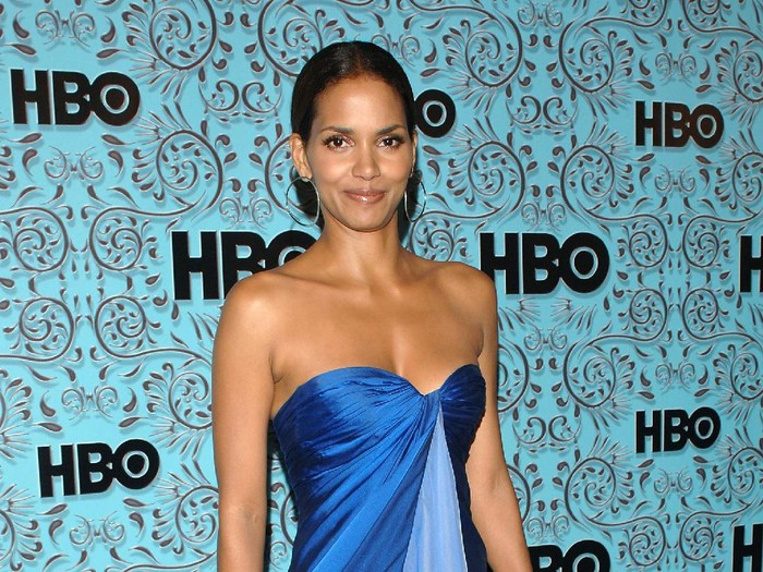 WEST HOLLYWOOD, CA - SEPTEMBER 18:  Actor Halle Berry arrives at the HBO Emmy after party held atThe Plaza at the Pacific Design Center on September 18, 2005 in West Hollywood, California.  (Photo by Stephen Shugerman/Getty Images)