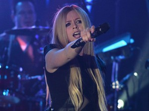 Sabar, Avril Lavigne Sedang Berikan Sentuhan Akhir Album Barunya