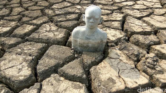Patung-patung di lumpur Lapindo