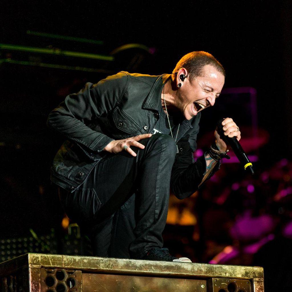 Linkin Park Buka Kemungkinan Cari Pengganti Chester Bennington