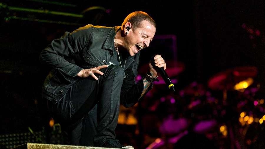 Akhir Chester Bennington, Sang Vokalis Gahar yang Kerap Dibully