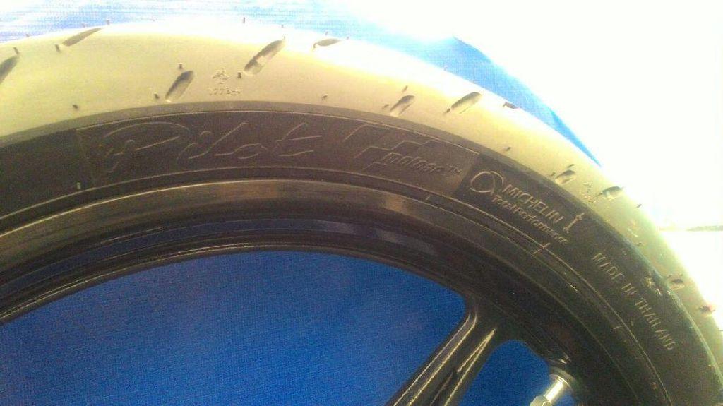 Ban Motor Harian Rasa MotoGP dari Michelin