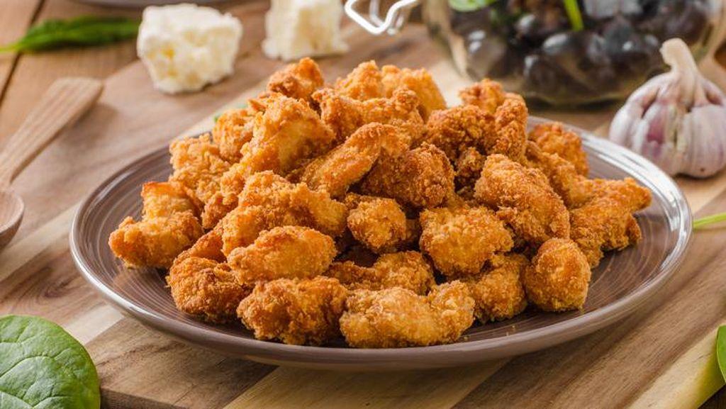 Asiiik! Kulit Ayam Ternyata Sehat untuk Dimakan Lho
