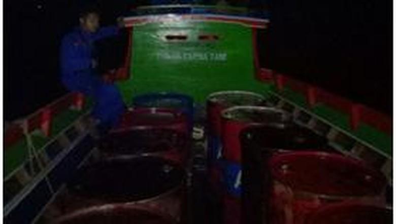 Polisi Tetapkan 2 Tersangka Pembawa 16 Drum BBM Ilegal