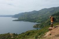 Kita mulai dari sebelah barat Indonesia. Inilah Danau Toba di Sumatera Utara, salah satu danau Vulkanik terbesar di dunia. Panjangnya 100 kilometer dengan lebar 30 kilometer (I Gede Leo Agustina/ dTraveler)