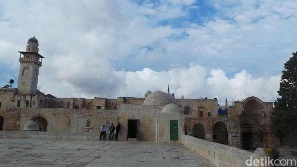 Setelah Diprotes, Israel Singkirkan Metal Detector di Yerusalem