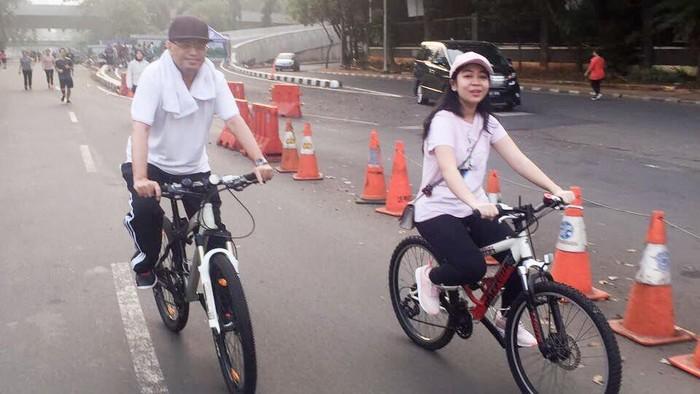Menteri Perhubungan Budi Karya Sumadi Bersepeda
