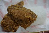 Fried chicken lokal gerai A.