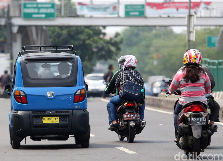 Bajaj Qute di Jakarta. Foto: Ari Saputra