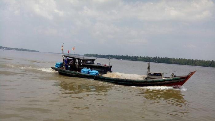kapal ilegal
