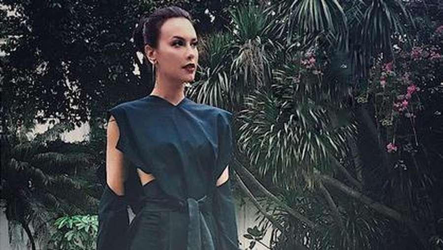 Sofia Vergara Vs Sophia Latjuba, Pilih Mana?