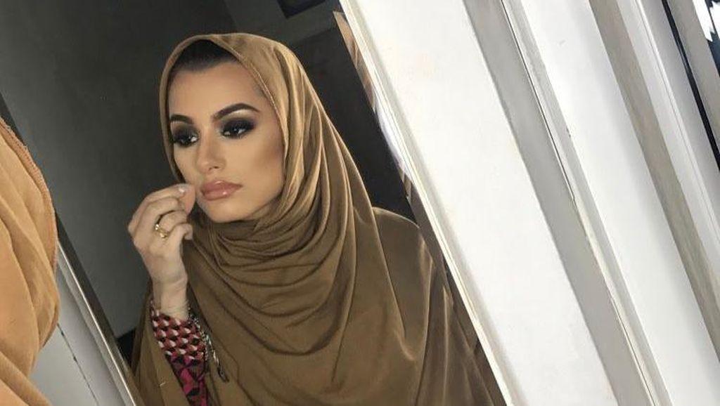 Pesona Waliyha Azad, Adik Cantik Zayn Malik yang Sering Tampil Berhijab