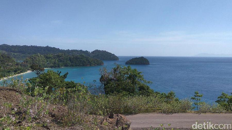 Berlokasi di Kabupaten Aceh Besar, ada Pulo Aceh yang tak kalah indah dari Sabang. Inilah pulau perawan di ujung Barat Indonesia yang belum populer (Agus/detikTravel)