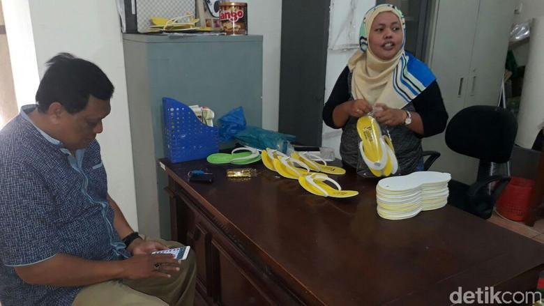 Sepatu Buatan Warga Eks Lokalisasi Dolly Merambah ke Blitar