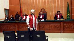 Elvy Sukaesih Ikut Terpukul Dengar Ridho Rhoma Harus Balik ke Penjara