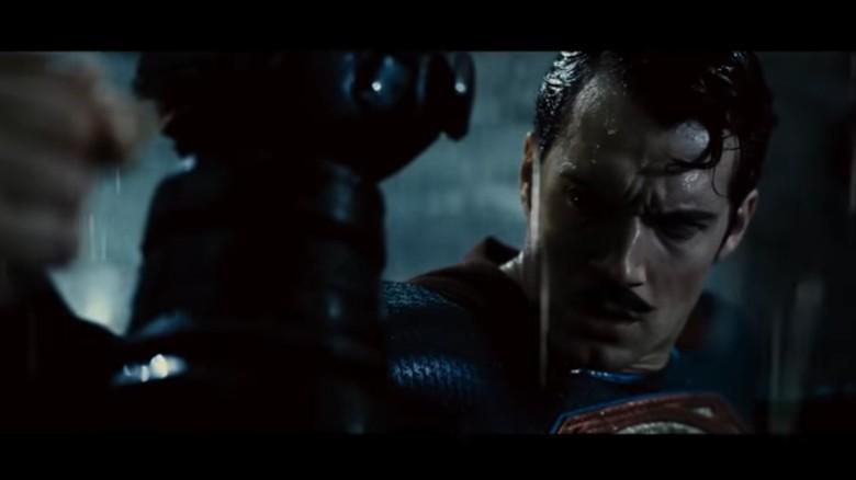 Foto: Henry Cavill berkumis sebagai Superman (ist)
