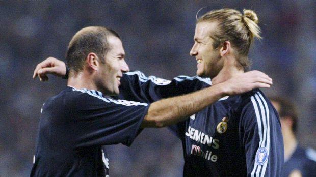 Zinedine Zidane pernah menanduk Marco Materazzi.
