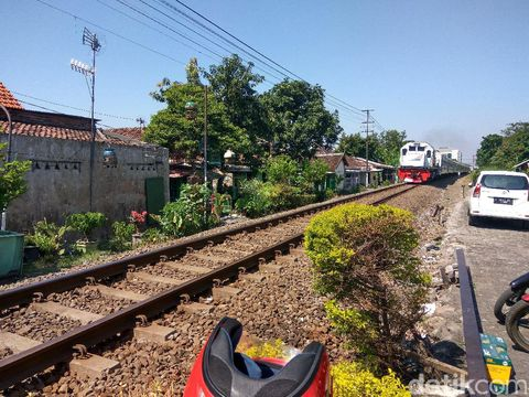 Jalur kereta api di Sidoarjo/