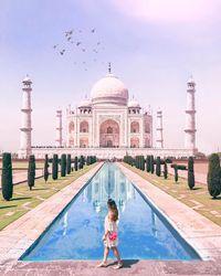 Foto-fotonya Seperti Editan, Wanita Ini Dituduh Jadi Travel Blogger Palsu