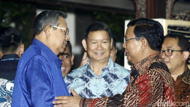 SBY saat bertemu Prabowo.