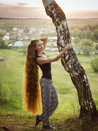 Wanita Ini Tak Potong Rambut 14 Tahun 6ef36e7396