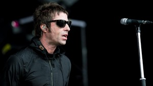 Liam Gallagher Tiba di Jakarta Gemparkan Medsos