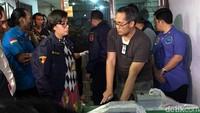 Penyelundup sabu hampir 300 kg yang digerebek di kawasan Pluit, Jakarta Utara, diketahui merupakan jaringan sabu dari Taiwan. Menteri Keuangan Sri Mulyani mengatakan informasi jaringan internasional itu didapatkan dari informasi intelijen Taiwan.